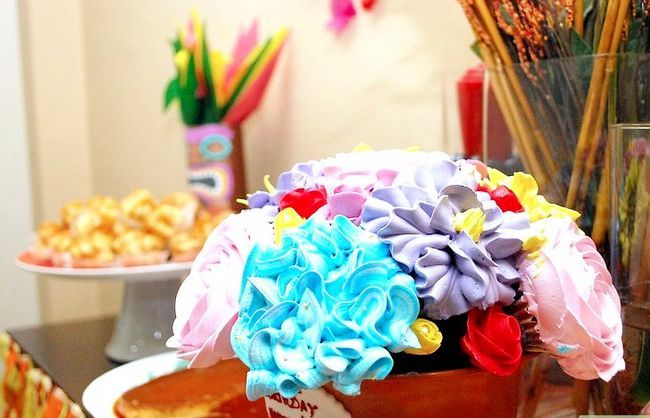 Imagen titulada Throw a Surprise Birthday Party Step 3