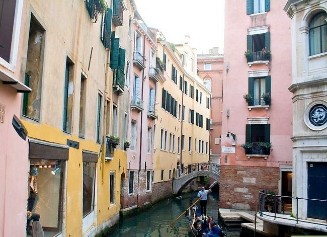 Imagen titulada Get Around Venice on the Cheap Step 5