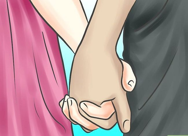 Imagen titulada Ask Your Girlfriend to Hold Hands Step 6
